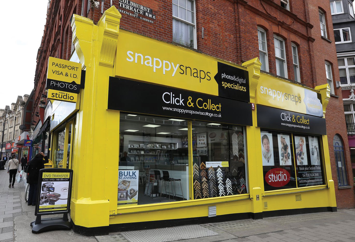 Snappy Snaps click and collect shop