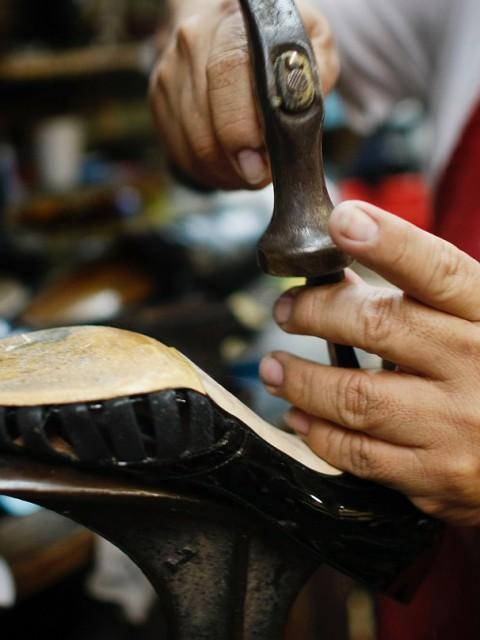 Что могут делать мастерские по ремонту обуви